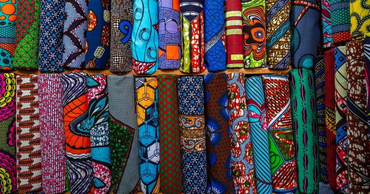 Párkapcsolat a Mandé kultúrában. Hosszú házasság titka afrikában. Felnőtté avatás. Afrikai textilek. Párkapcsolat.